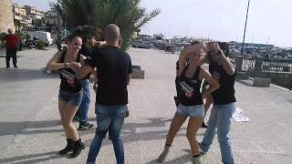 Bailando Salsa Version by Croma Latina desde Mondello