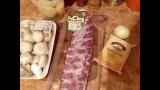 Готовим ужин. Свиные ребра с картошкой и грибами.