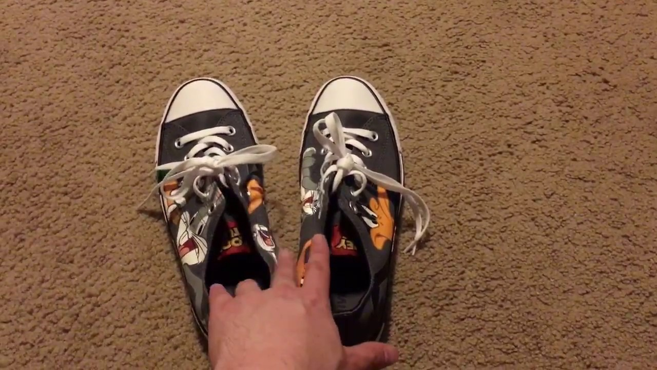 f88cc7d55bd9c8 Looney Tunes Converse Chuck Taylor Bugs and Daffy Low Top - YouTube
