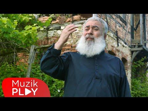 Garip Hüseyin - Yıllar Gelip Geçti Yılın Üstüne (Official Video)
