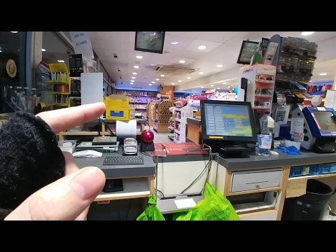 Nightshift at the Petrol Station - Vlogging at work