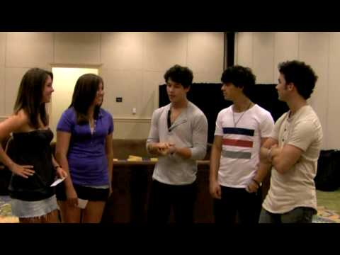 Jonas Brothers Interview (PART 1) - Katie and Karleigh VLOG