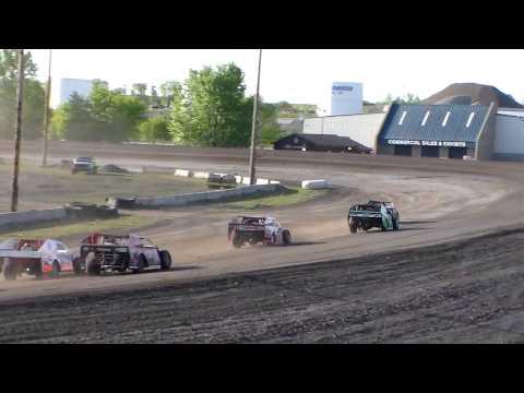 Nodak Speedway IMCA Modified Heats (5/21/17)