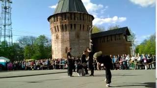 выступление на 9 мая 2015 (команда Free Tricks) паркур в Смоленске(, 2015-05-09T21:20:46.000Z)
