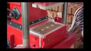 Последняя модель станка для изготовления кирпича