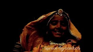 "Bhopa little girl dancing to ""Holy Song"", Rajasthan India : An extract from ""The Rajasthan"" DVD"