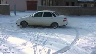 Приора 2 на снегу