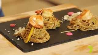 Гречневая лапша с креветками и овощами в тайском стиле