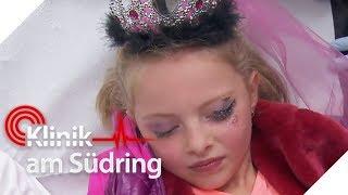 Prinzessin Sophie klebt sich Auge zu: Sie will schön wie Mama sein | Klinik am Südring | SAT.1 TV