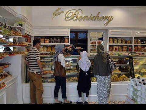 Belanja Jajanan Pasar di Bonscherry Bakery, KS Tubun Cirebon