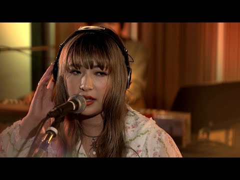 GLIM SPANKY - 「Breaking Down Blues」(YouTube Live)