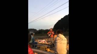 るんカフェ店主の地元、三重県の紀宝町神内の田んぼでのライブ!るんカ...