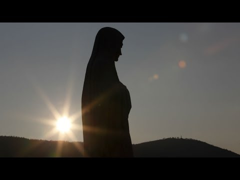 Our Lady appears to thousands in Knock, Ireland after prediction comes true HD