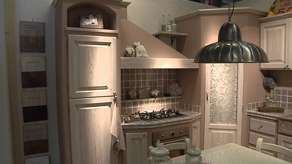 Speciale fiera di firenze 2013 cucine in muratura e country di l 39 artigiano arredamenti youtube - Cucine country in muratura ...