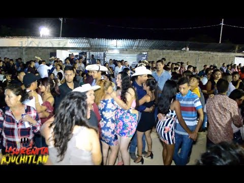 que bonito bailan estas dos chicas guapas !, Baile en altamirano expo 2018