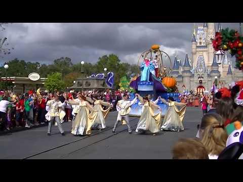 Disney Parks Christmas Parade Filming Inside The Magic Kingdom