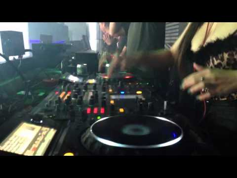 DJ Oxy on the mix on @MDM club Haiphong part 1