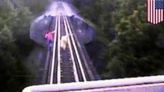 Две женщины едва не погибли под поездом из-за собственной глупости
