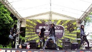 Visual Band:it - Hesitating Means Death (The Gazette Cover) @ Sansantaru Matsuri 2011 UNPAK