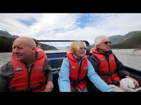 Boost your adrenaline on the waves of Dart River