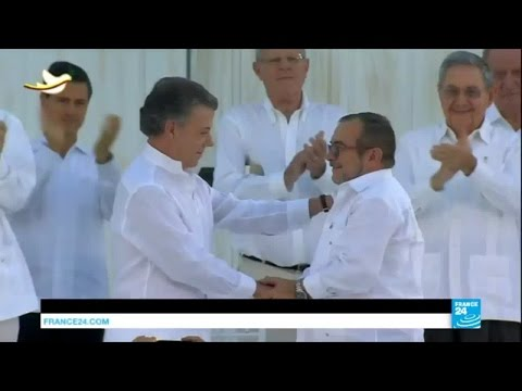 Colombia: Government and FARC sign final peace deal