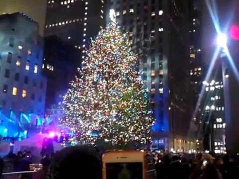 Christmas in Rockefeller Center NYC - The Tree Lighting ...