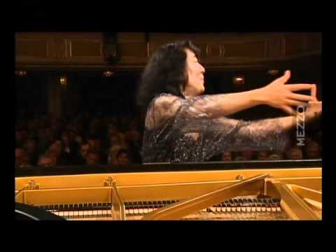 Mitsuko Uchida,Concerto K,466,Allegro by W,Amadeus Mozart