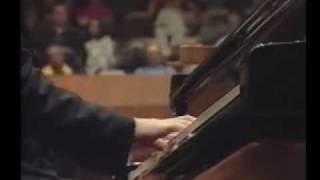 Vsevolod Dvorkin - E. Grieg - Concerto - I Allegro Molto Moderato.mp4