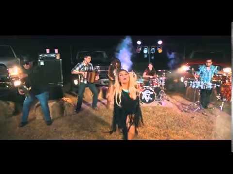 Stefani Montiel - Quien Quiere Shots