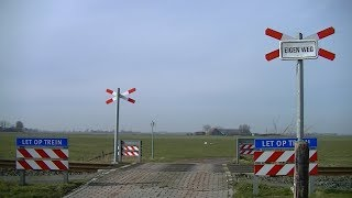 Spoorwegovergang Boazum // Dutch railroad crossing