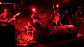 Tipe X - Saat Saat Menyebalkan (Live Tj Pendam Belitung 27 April 2013)