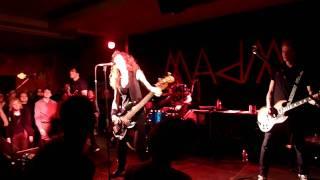 Melissa Auf der Maur - Real A Lie / Lead Horse (live München 59:1 06.12.2010)