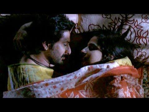 Arshad Warsi & Vidya Balan  bed scene - Ishqiya Deleted Scene