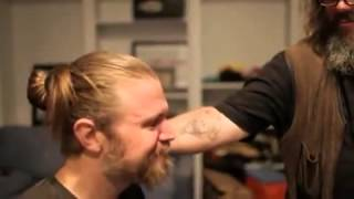 Sons of Anarchy Ryan Hurst shaves his beard Charlie Hunnam Mark Boone Junior cry with ryan  You