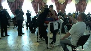 Чемпионат Киева 2011 по армспорту (часть 1)(Видео с 1 стола, левая рука http://4sport.ua/news.php?id=7912., 2011-02-26T20:06:38.000Z)