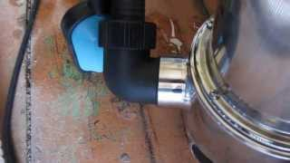 Откачиваем воду из гаражного погреба и смотровой ямы(Откачка воды дренажным насосом Макита PF0610 Это видео создано с помощью видеоредактора YouTube (http://www.youtube.com/editor), 2013-07-26T04:46:29.000Z)