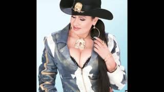 SI TE VAS, NO HAY LÍO-Adelaida La Potranca