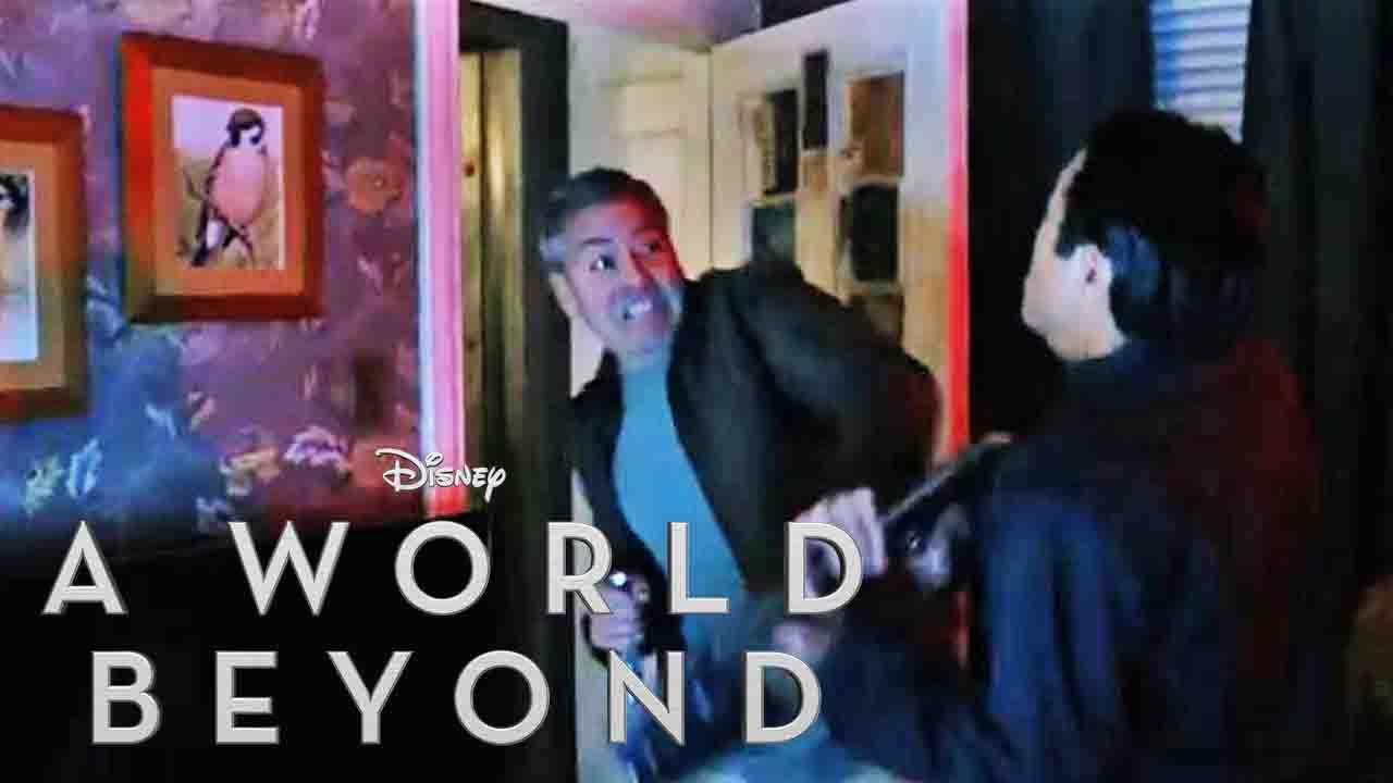 A WORLD BEYOND – House Attack Trailer (Deutsch | German) - Disney HD