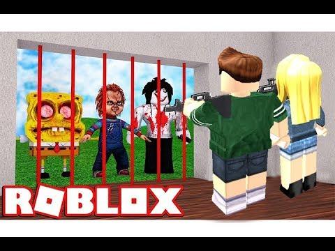 بناء مدينة سرية والدفاع عنها ضد الاعداء فى لعبة roblox !!