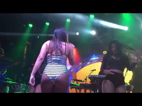 Anitta - Medley Funk - Baile da Wood&39;s Porto Alegre 0708