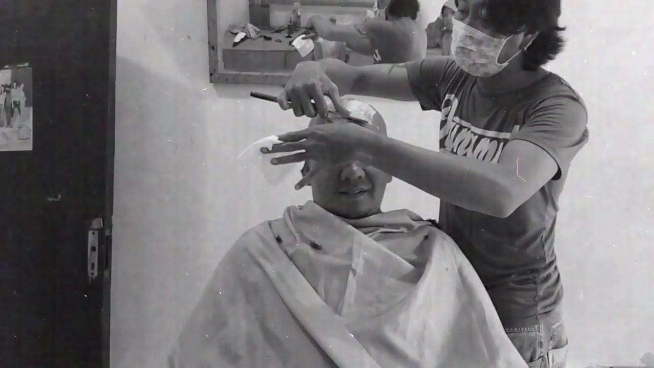 WOW. Begini Proses Potong Rambut Botak Licin Sampai Berdarah - YouTube cb864afcff