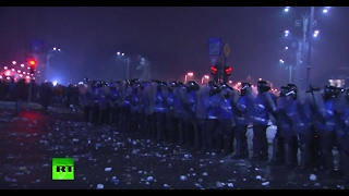 Clashes erupt in Bucharest following enormous anti-corruption rally
