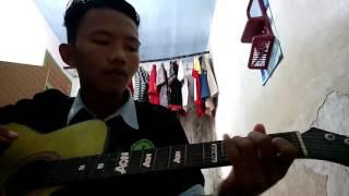 belajar gitar  pelarian, Raden Kuzut cahyono cover