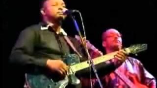 Samba Touré - Gomni - Amandraï. Live 2011