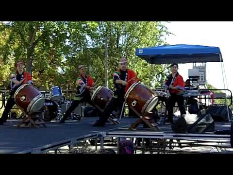 Taiko Drummers Perform - Settlement Music School
