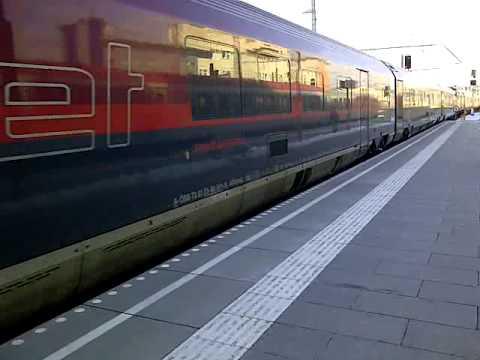 Ski-WM-Railjet Bei Der Ausfahrt Aus Dem Hbf Salzburg Richtung Wien