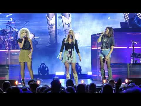 "Miranda Lambert And Little Big Town ""Smoking' And Drinkin'"" Live @ BB&T Pavilion"