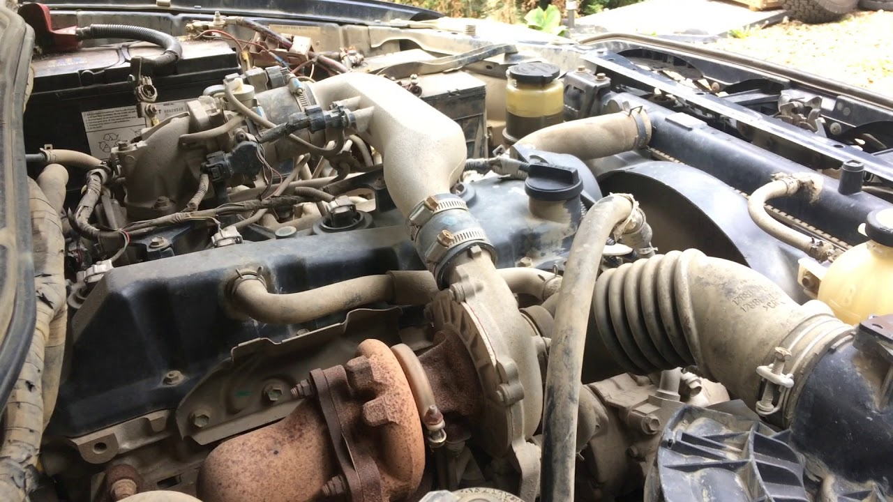 Toyota Hilux / Vigo / Revo 2 5 D4D 2KD-FTV turbo diesel engine start up +  rev sound
