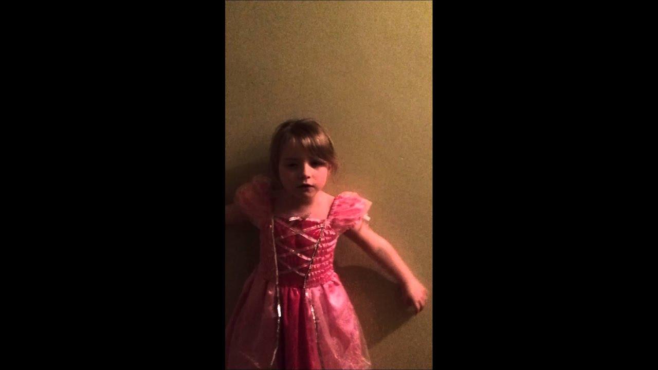 Lola qui chante sur barbie et la pop star youtube - Barbie et la princesse pop star ...