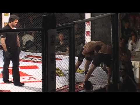 Ivailo Georgiev (ATILA St.Zagora) 70 kg. vs. Krasimir Georgiev 70 kg. MMA Stara Zagora 12.04.2014